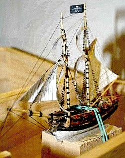 mercury_construction_fore_mast_sails_front.jpg