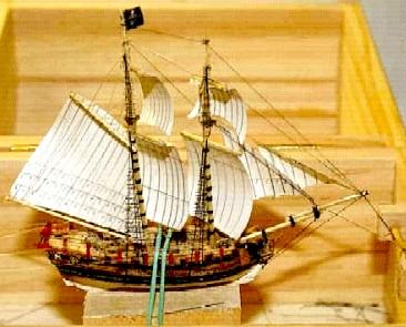 mercury_construction_sails_starboard.jpg